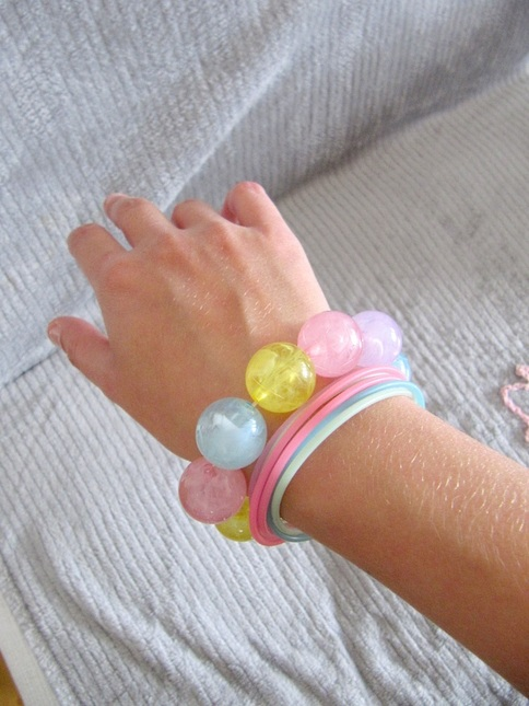 Bracelet 20on 20hand