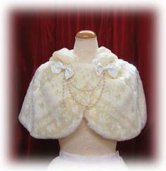 059d281c169c7366d6e55223b032460c  fur cape womens clothing