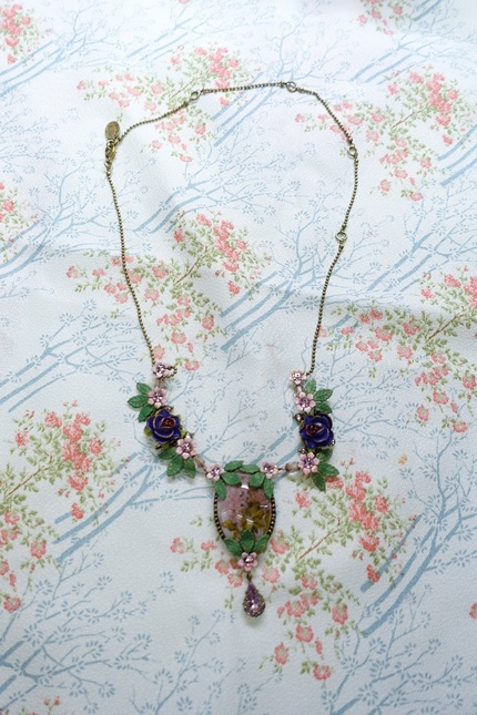 Mg necklace