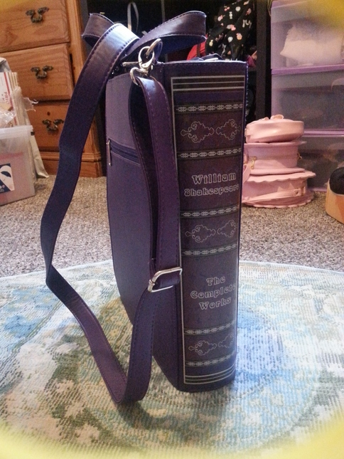 Restyle Shakespeare Crossbody ~Book~ Bag. Accsac064d. 20181001 133118.  20181001 133239 926ec614395c2