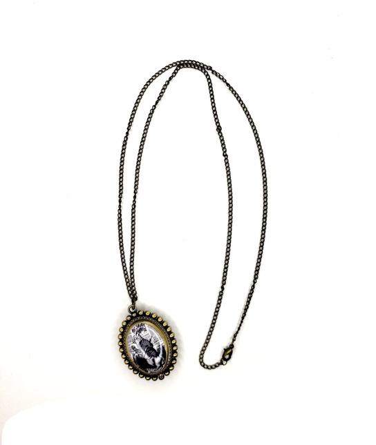 Aliceinwonderlandlocketnecklace