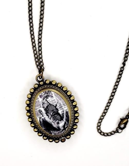 Aliceinwonderlandlocketnecklace2